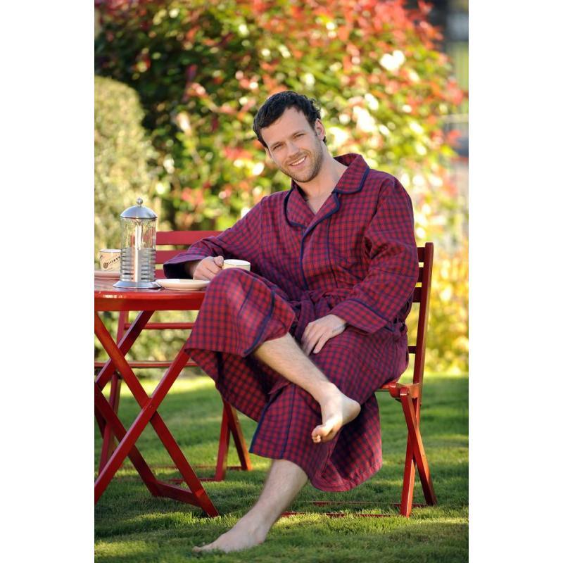bademantel rot mit blauen karos f r sie und ihn. Black Bedroom Furniture Sets. Home Design Ideas