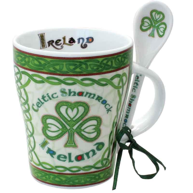 tasse mit l ffel celtic shamrock. Black Bedroom Furniture Sets. Home Design Ideas
