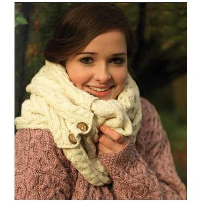 High quality knitted scarf, wool white