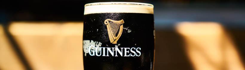 Guinness Gläser für den stilechten...