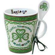 Tasse mit Löffel -Celtic Shamrock