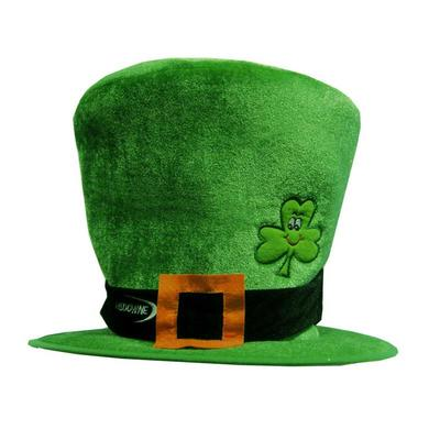 Ireland hat with buckle and shamrock motif